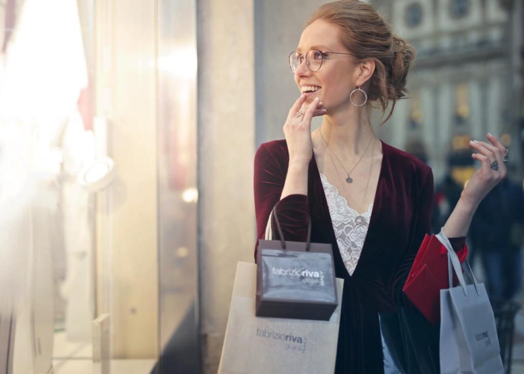 christmas shopping, holiday shopping, holiday shopping predictions, holiday marketing strategies