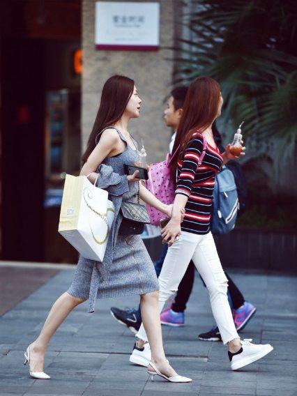 luxury brands, luxury shoppers